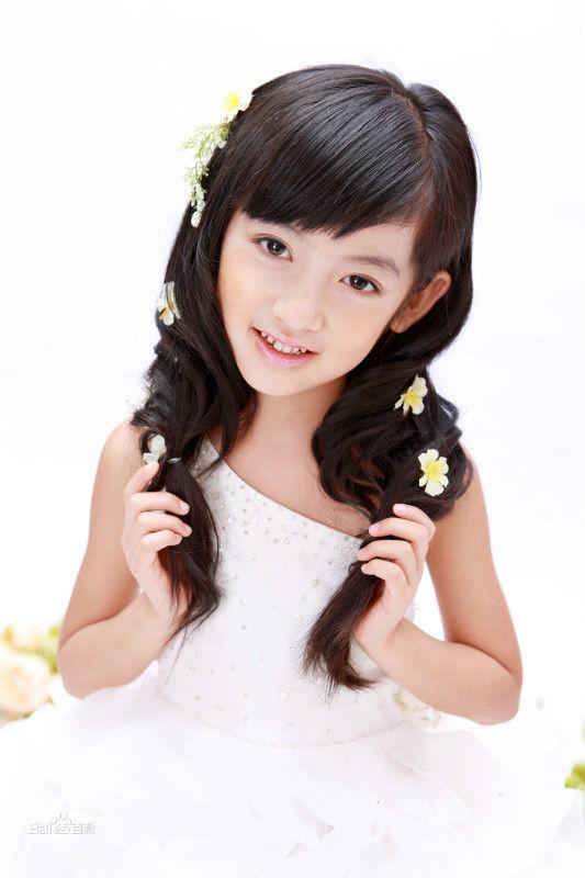出生日期:2005年1月 职业:小模特,小演员 代表作品:老人,孩子和外国人